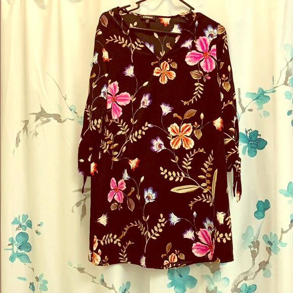 Express Dresses & Skirts - NEW Express black floral dress